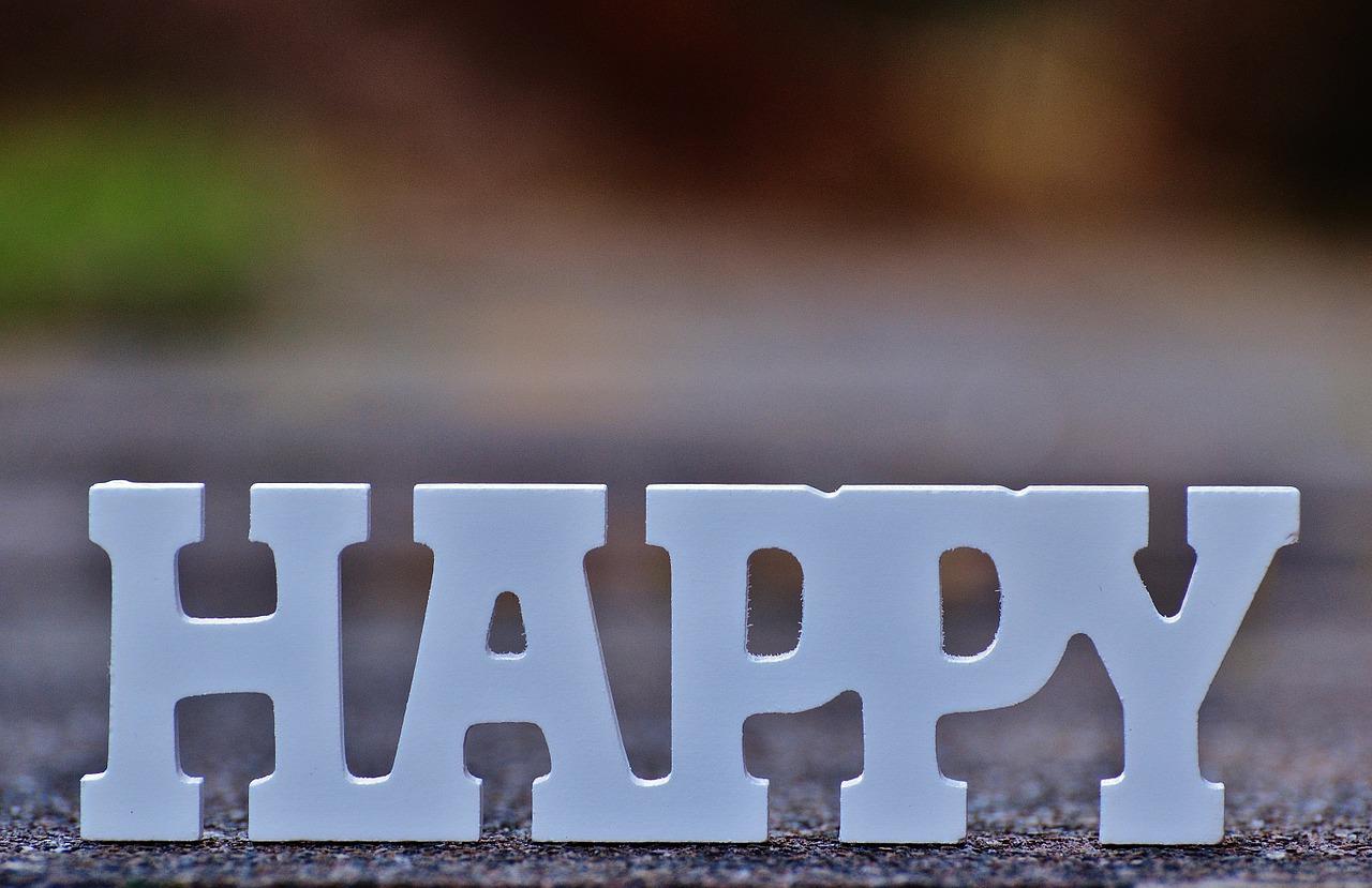 happy-1194446_1280
