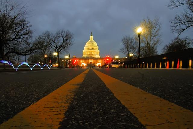 Campidoglio americano dove viene formulato l'impeachment